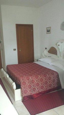 호텔 지울리에타 이 로미오