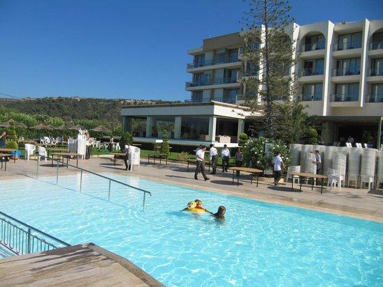 SENTIDO Ixian Grand: Вид на отель с моря