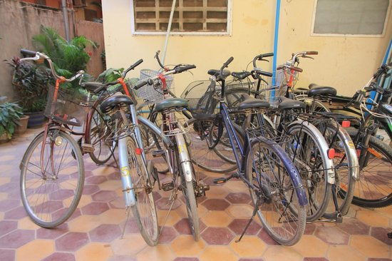 Happy Guest House: Bikes for rent