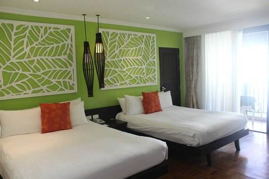 Centara Karon Resort Phuket: Номер 2 Bedroom Premium Suite at Tropicale, плохо работал кондиционер, нет плазмы простой телик.