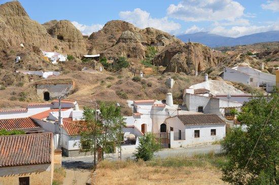 Visita Guadix: Landschaft bei den Höhlen