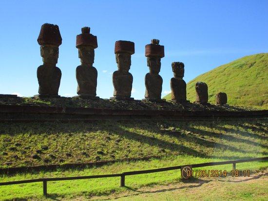 explora Rapa Nui - All Inclusive: visita obligatoria en este viaje y maravillosa vista tambien su historia