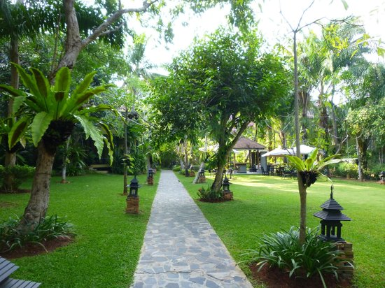 Krabi La Playa Resort: Gardens