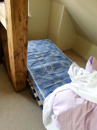 Guest House Kupfernams: Extra bed = camping bed