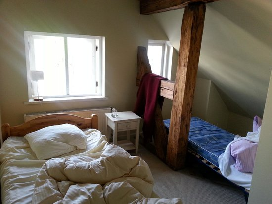 Guest House Kupfernams: Room with extra bed - no curtains