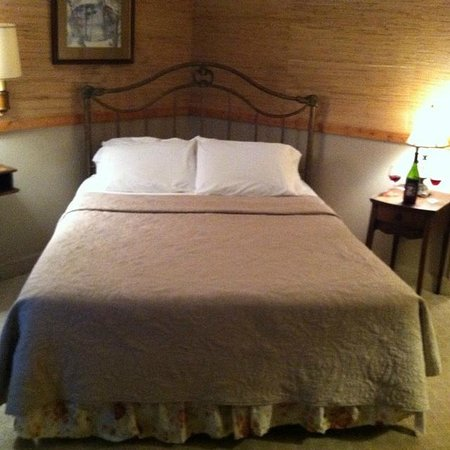 Woodberry Inn: The Persimmon Room