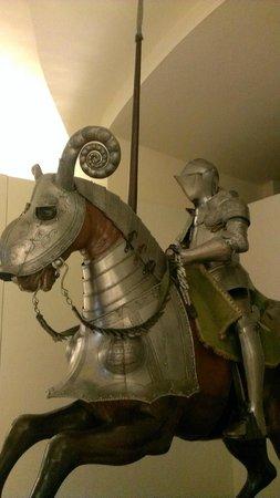 Alcazar - Museo del Ejercito: Armadura de la colección de la Casa Ducal de Medinaceli.