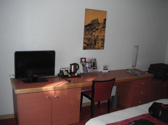 Mercure Colmar Champ de Mars: Room Decor