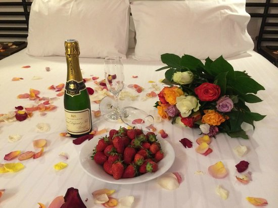 Best Western Plus La Demeure: Honeymoon package
