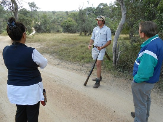 Dulini Lodge : Bush Walk Brief