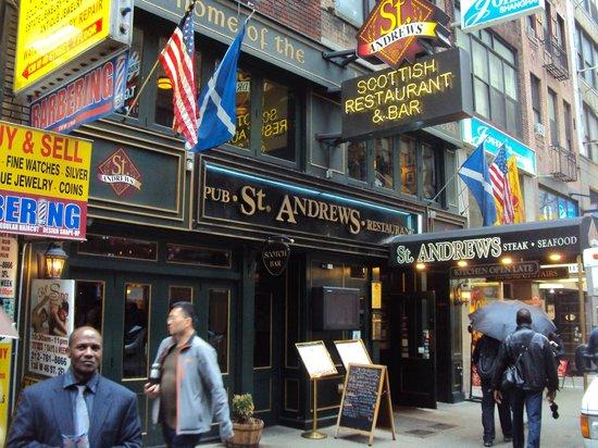 St. Andrews: Fachada deste simpático pub