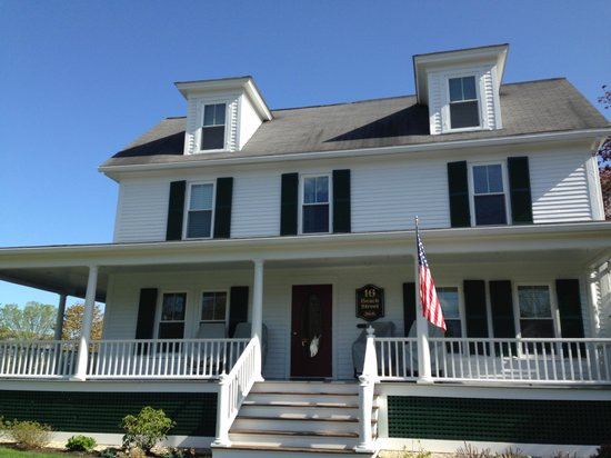16 Beach Street Bed and Breakfast: Beautiful!