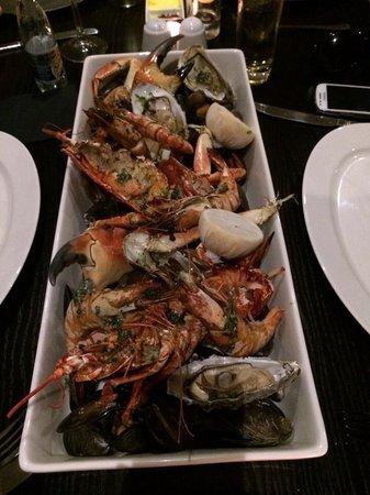 Lock & Quay Bar & Restaurant: Seafood platter