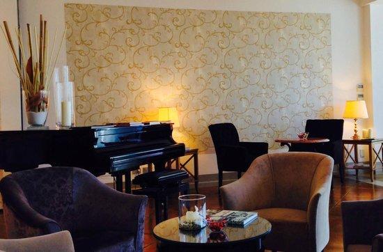 Hotel Piccola Vela: salottino bar