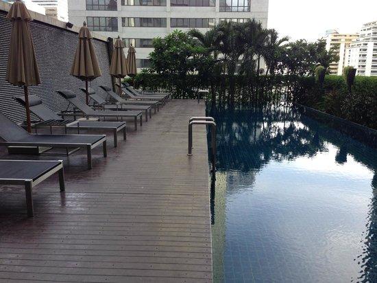 Pullman Bangkok Grande Sukhumvit: pool