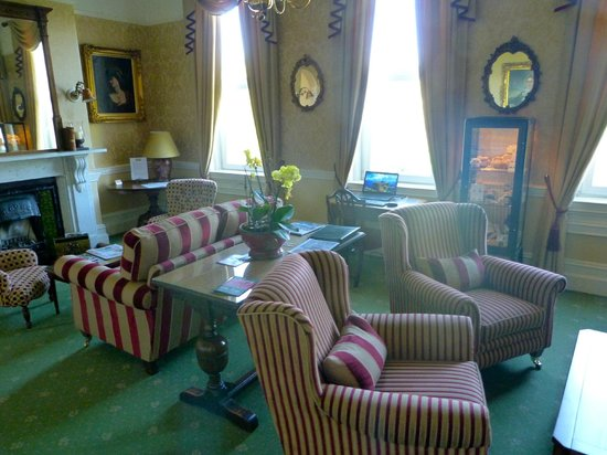 Oldfields House: Lounge