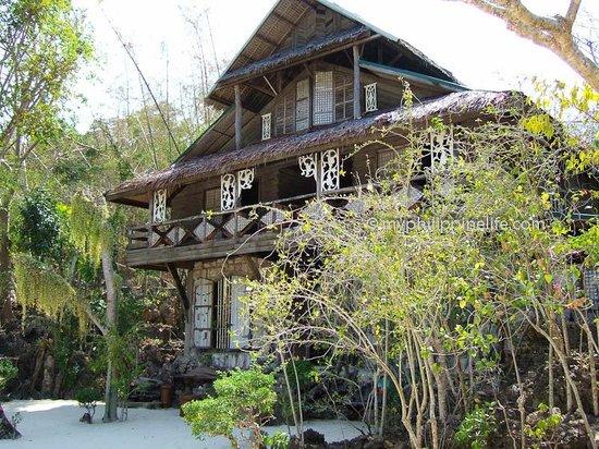 Isla Naburot: Naburot building