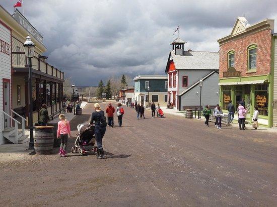 Heritage Park Historical Village : Main Street