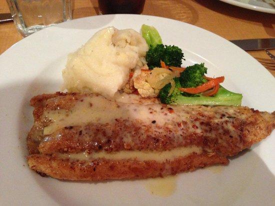Meadowlark Restaurant: Pecan crusted fish