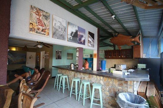 Hostel Pachamama: Help yourself kitchen
