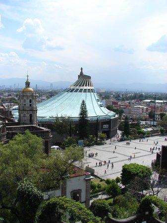 Basilica Lady of Guadalupe and Teotihuacan: imposible visitar DF y no pasar por este Complejo de edificios religiosos!!!!... que explica la
