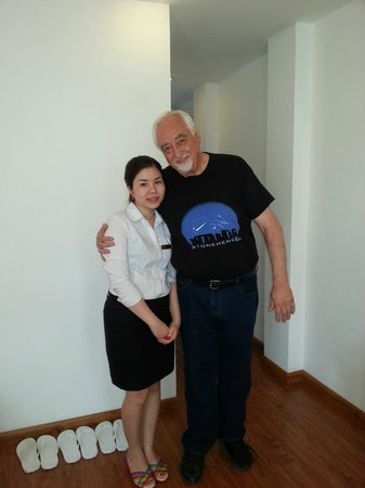 Hanoi Holiday Diamond Hotel: our lovely host Ms Candy