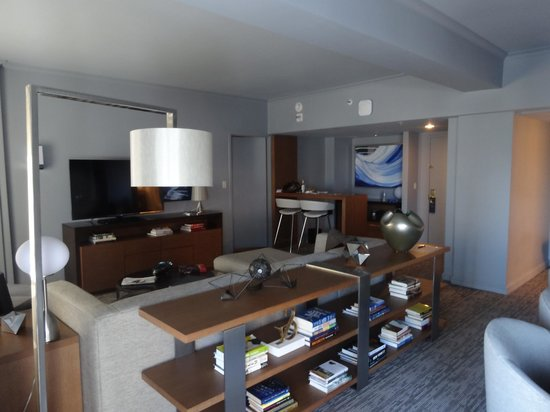 New York Hilton Midtown: suite main room