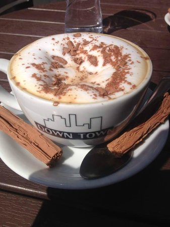 DownTown Cafe: Cappuccino