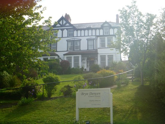 Bryn Derwen Guest House: The perfect B&B in Conwy.