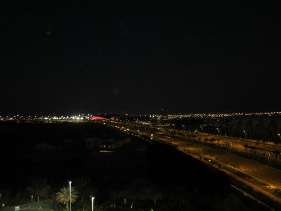 Park Inn by Radisson Abu Dhabi Yas Island : Night view from our room