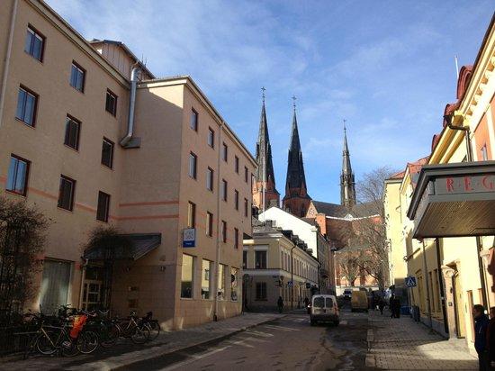 CityStay Uppsala: Trädgårdsgatan och Domkyrkan