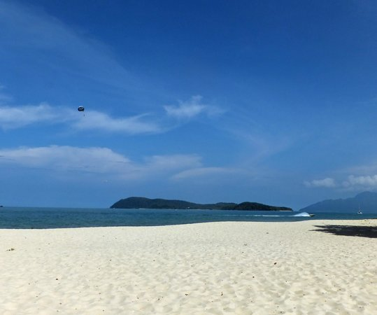 Holiday Villa Beach Resort & Spa Langkawi: Beach at Holiday Villas 2