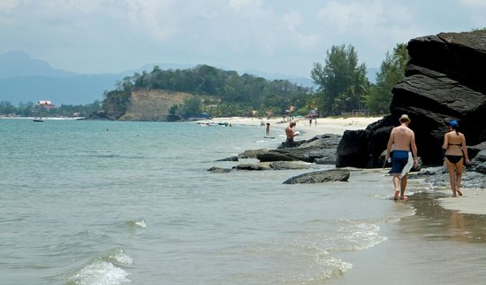Holiday Villa Beach Resort & Spa Langkawi : Beach Walk to Pentai Cenang
