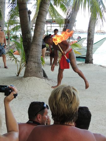 Maohi Nui : Luau included in the full day tour
