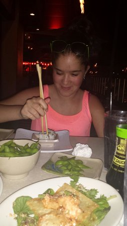 Sansei Seafood Restaurant & Sushi Bar: Using Chop sticks for the first time. How memorable