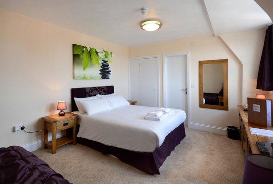 Stones Hotel, Bar and Restaurant : Family En-Suite Room