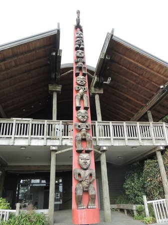 TIME Unlimited Tours: Totem Pole Maori People