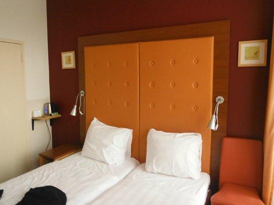 King Hotel: camera standard vista canale