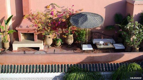 Riad Alili : La terrasse fleurie