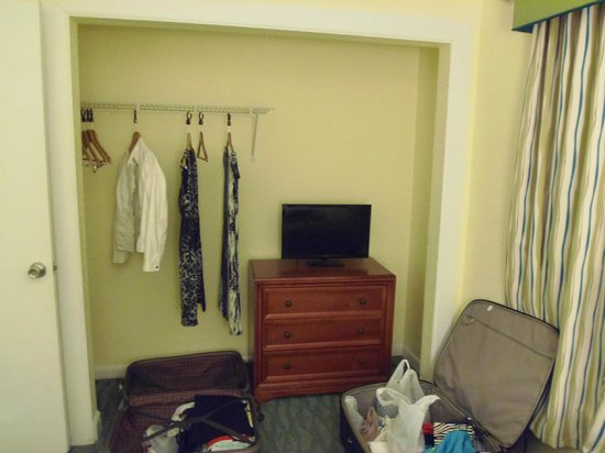 Blue Tree Resort at Lake Buena Vista: Closet