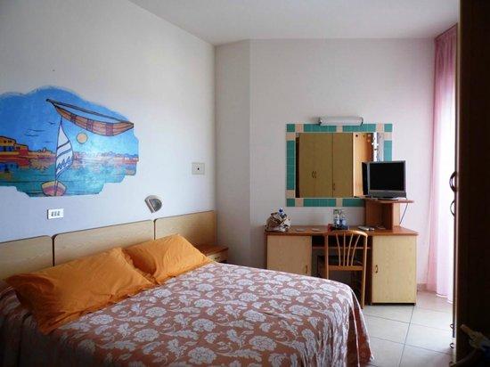 Hotel Caesar: Camera deluxe piano 5