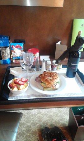 DoubleTree by Hilton Hotel Atlanta - Buckhead: Excellent Room Service