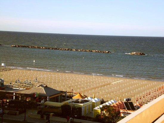 Hotel Caesar: Tramonto visto dalla spiaggia