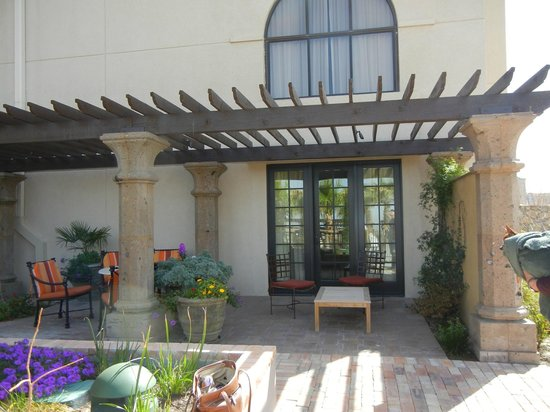 Hotel Encanto de Las Cruces: Our lovely veranda!