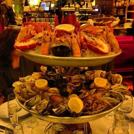 un tout petit plateau de fruits de mer picture of le grand colbert paris tripadvisor. Black Bedroom Furniture Sets. Home Design Ideas