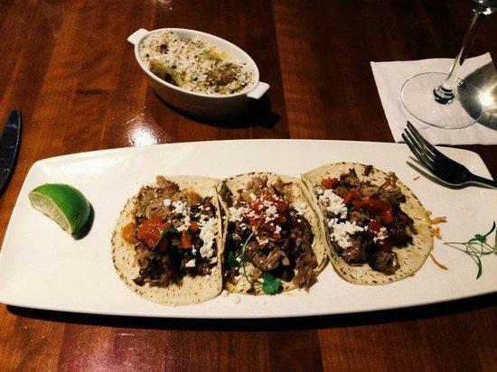Cantina Laredo: Carnitas Tacos
