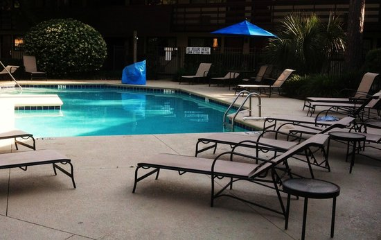 Red Roof Inn Hilton Head Island: The rebuilt pool area