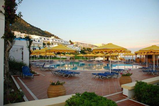 Mitsis Norida Beach Hotel: Pool