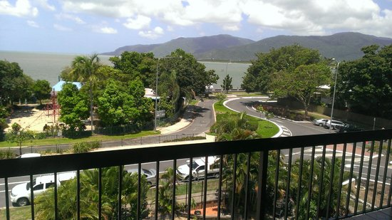 Cairns Plaza Hotel: We love this ocean view