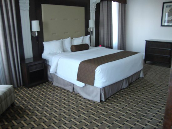 BEST WESTERN PLUS San Pedro Hotel & Suites: Comfortable beds